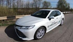 Тест-драйв Toyota Camry: бизнес-класс по карману