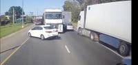 3 вещи, за что дальнобойщики сурово наказывают других водителей